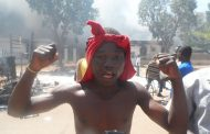 L'histoire bégaie à Ouagadougou. Le Burkina Faso est en ébullition.