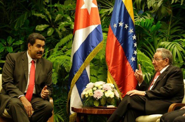 « Tu ne seras pas seul », assure Raul Castro à son allié Maduro