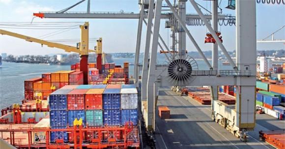 Commerce extérieur: Baisse du déficit commercial de plus de 40% sur les 8 premiers mois
