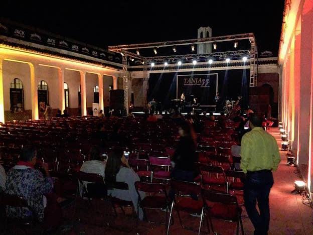 Salle vide pour la chanteuse israélienne Noa au Maroc !