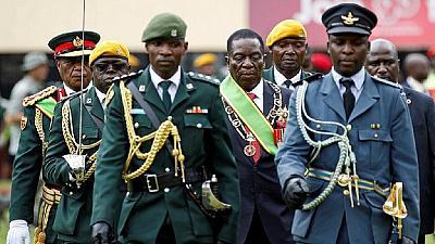 Zimbabwe : les militaires au pouvoir