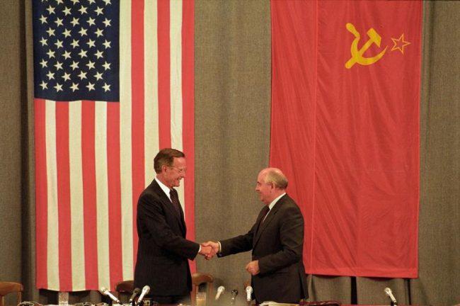 Comment l'Occident a menti  à Mikhail Gorbatchev : « Désolé, ballot, ce n'est écrit nulle part »