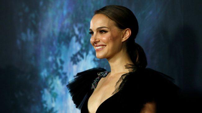 """L'actrice Natalie Portman illustre le divorce croissant des Juifs étatsuniens avec Israël en refusant de recevoir le """"Prix Genesis"""