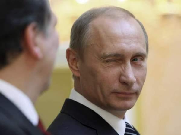 Les services de renseignements US ont versé 400 millions de dollars dans la campagne Clinton à partir de la Russie