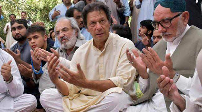 Pakistan: un nouveau Premier ministre et les militaires toujours en marionnettistes!