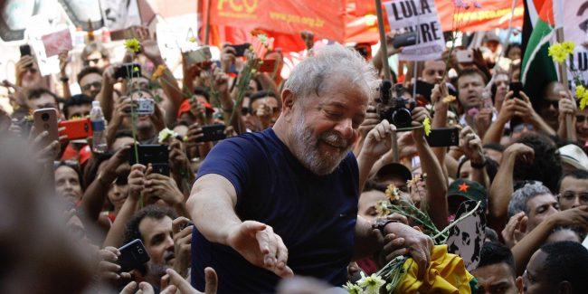 """""""J'ai visité Lula, le prisonnier politique le plus célèbre du monde. Un coup d'État 'doux' au Brésil une élection aura des conséquences globales"""""""