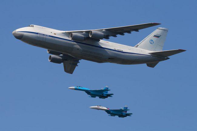 En direct : La Défense russe diffuse une livraison de S-300 en Syrie (vidéo)