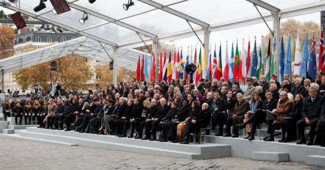 Ouvrez le ban : congrès de criminels sous l'Arc de triomphe