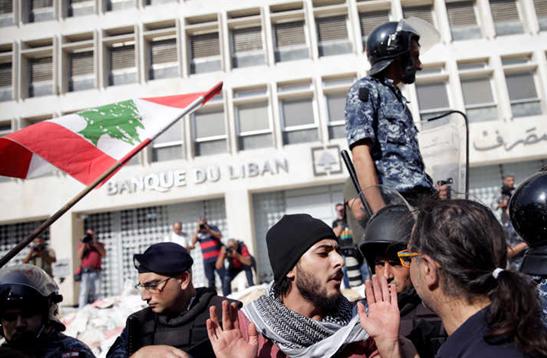 JEAN-CHRISTOPHE CAMBADELIS FAIT LA « COMM » D'UNE BANQUE LIBANAISE…
