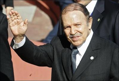 Algérie : Bouteflika au Val-de-Grace pour contrôle routinier ; son état s'améliore