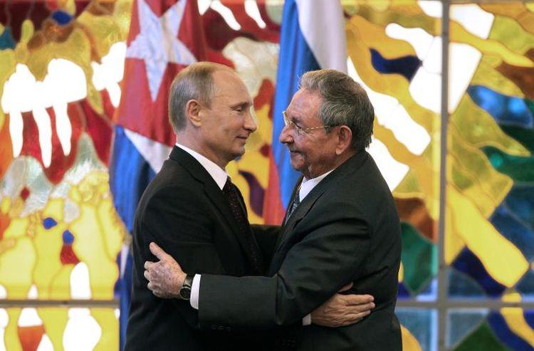 Poutine en Amérique latine : « Nous apporterons notre aide à nos amis Cubains… »
