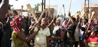 Désobéissance civile contre dictature : les femmes donnent le ton