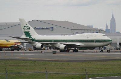 Bakchich royal :  Le roi de l'Arabie Saoudite met son avion à la disposition de Mohammed VI pour sa virée africaine