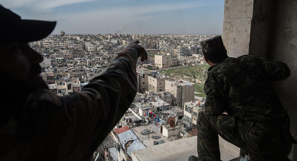 Syrie: l'armée aidée par les Russes prépare une offensive à Alep