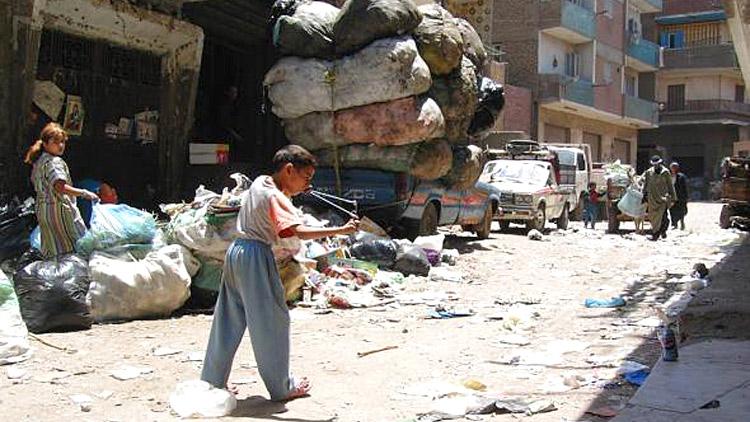 Vivre sans l'État dans les bidonvilles du Caire