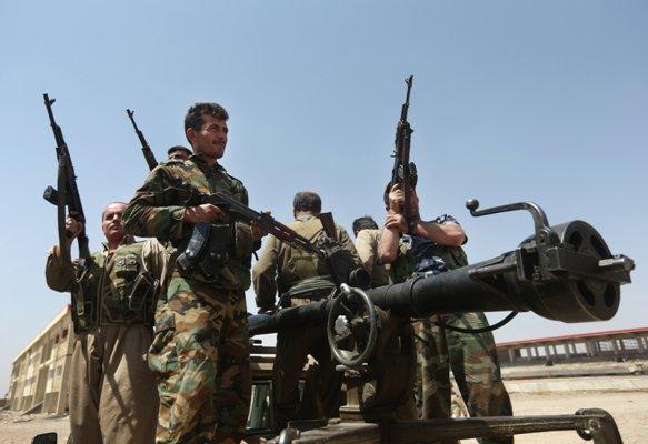 Gros plans combattants kurdes