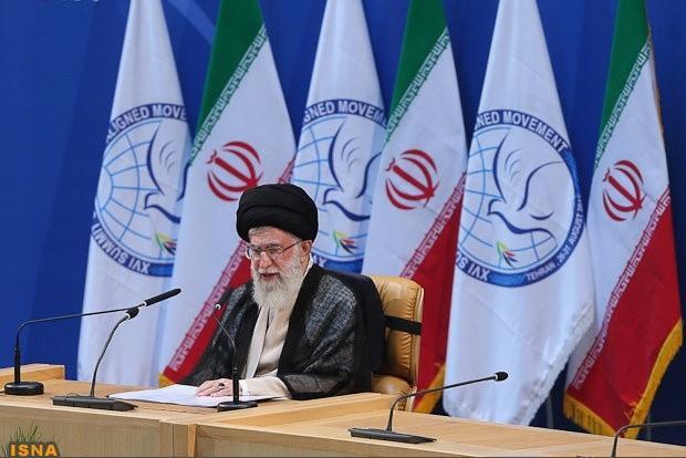 L'Ayatollah Ali Khamenei voue aux gémonies le pouvoir saoudien « despotique », qui ne « recule devant aucune trahison » !
