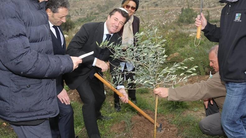 En Israël, Estrosi donnera 50 000 euros d'argent public à une organisation œuvrant à la colonisation