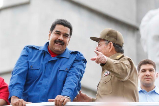 Raul Castro : « Quoi que fera le gouvernement des États-Unis, nous continuerons d'avancer sur la voie choisie en toute souveraineté par notre peuple. »