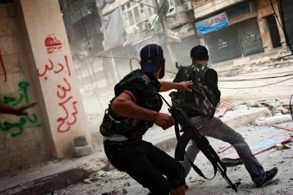 Trump : le programme d'aide d'Obama aux rebelles syriens était «massif, dangereux et inefficace».