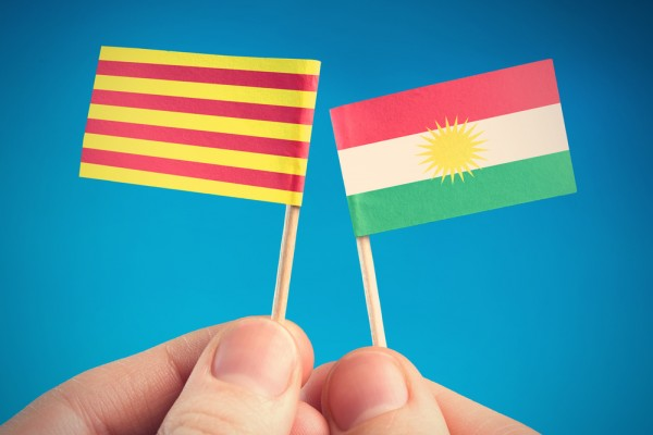 Que pensent les Russes des référendums séparatistes en Espagne et en Irak ?