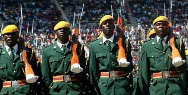Zimbabwe : l'armée occupe Harare et s'explique