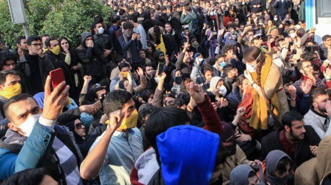 Iran : pour qui roulent les manifestants ?