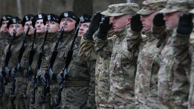 La Pologne propose d'accueillir une base militaire américaine permanente sur son territoire