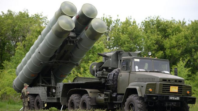 La réponse russe à l'agression israélienne : des systèmes de défense anti-aérienne S-300 livrés d'ici deux semaines à Damas