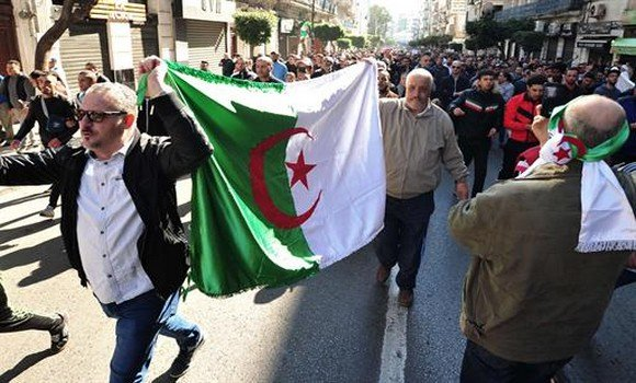 Algérie : les médias algériens analysent les manifestations contre le 5ème mandat de Bouteflika. (Première revue de presse)