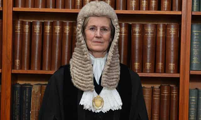 L'intégrité d'Emma Arbuthnot, la juge britannique qui veut extrader Julian Assange aux USA et Alexandre Djouhri en France, en question