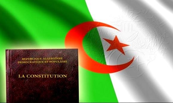 VERBATIM - Le projet de révision de la Constitution algérienne adopté par le Conseil des ministres prélude à sa soumission au référendum populaire le 1er Novembre