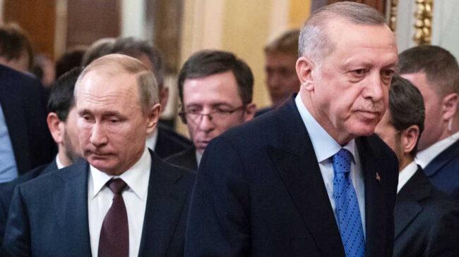 Erdogan, sous pression, risque l'escalade