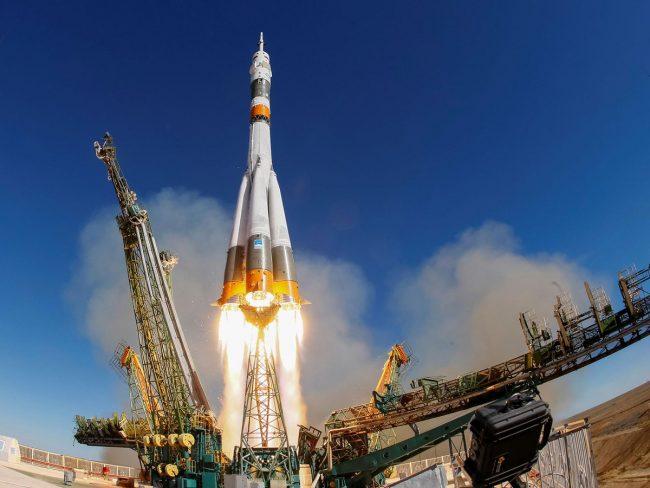 La course pour l'espace : faits techniques et récits populaires